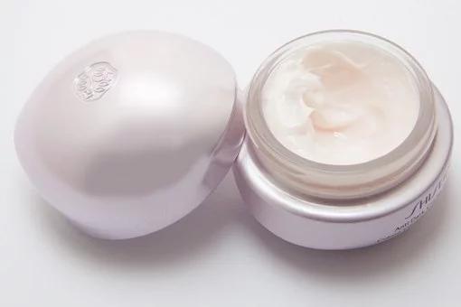 ¿Cuándo se debe usar cremas analgésicas en la depilación láser?